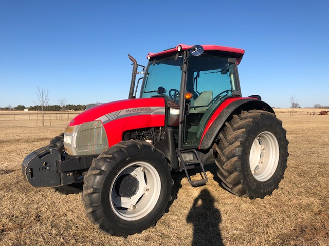 2011 McCormick T110 Max MFWD Cab Tractor