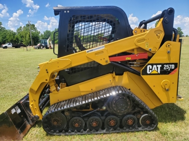 2014 Caterpillar 257D Skidsteer Loader Track Machine