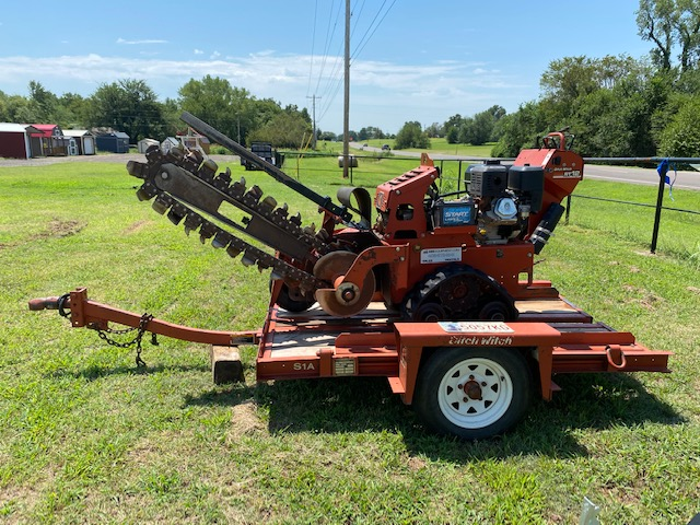 Ditch Witch RT12 Trencher