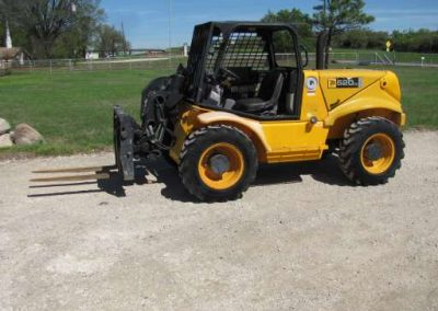 JCB 520 Telescopic Forklift for rent! - $275